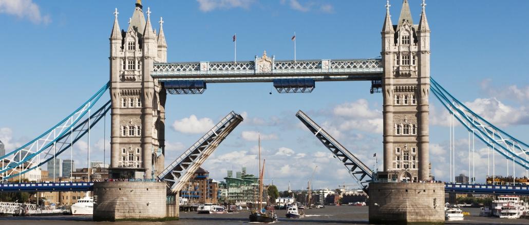 tower bridge das wahrzeichen von london. Black Bedroom Furniture Sets. Home Design Ideas