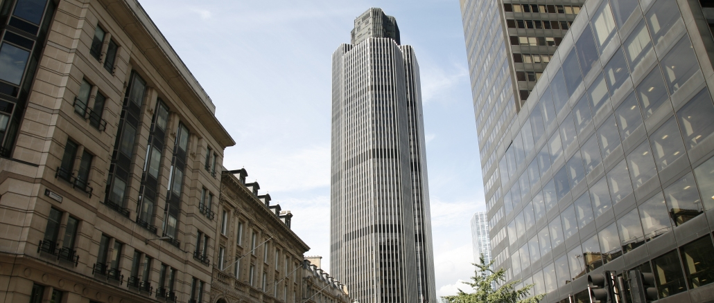tower 42 mit toller aussicht auf die skyline von london. Black Bedroom Furniture Sets. Home Design Ideas