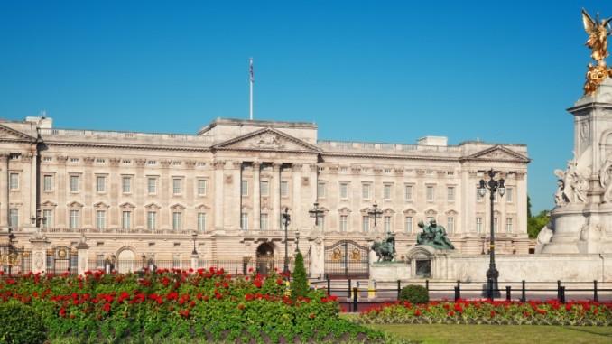 buckingham-palace-gardens