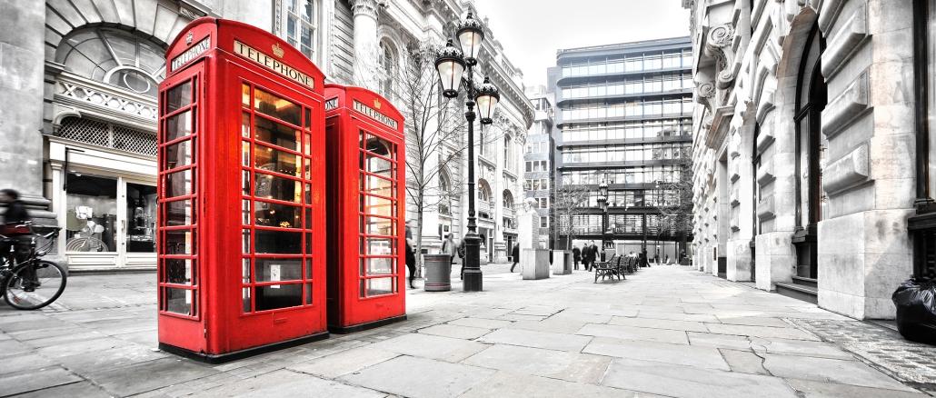 englische telefonzelle ist bekannt f r london. Black Bedroom Furniture Sets. Home Design Ideas