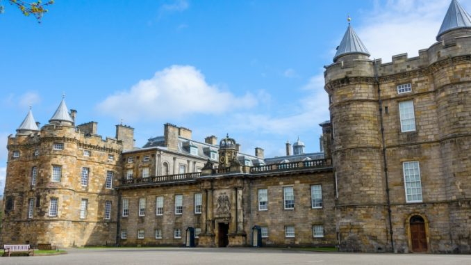 palace-of-holyroodhouse-edinburgh