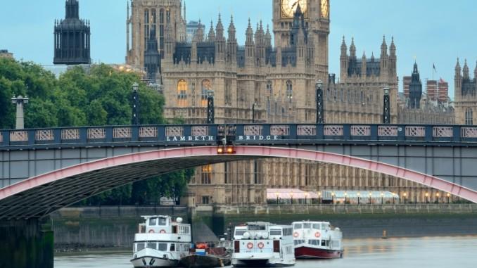lambeth-bridge-london